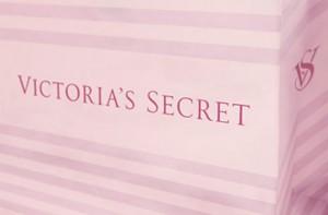victorias_secret_mono_02