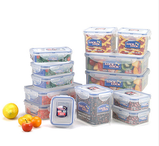 Plum District 68 off Lock Lock Reusable Storage Containers