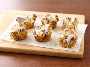 SOS-Pillsbury-Bisquits-easy-mini-monkey-breads