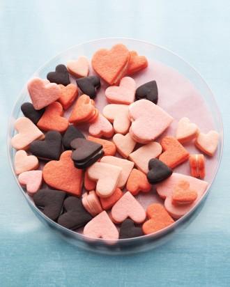 pink-heart-sandwich-cookies-mld109724_vert