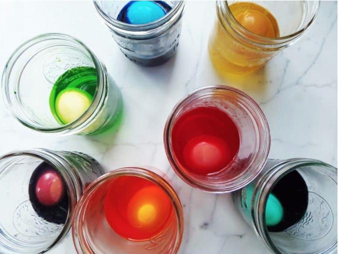 dye eggs without a kit