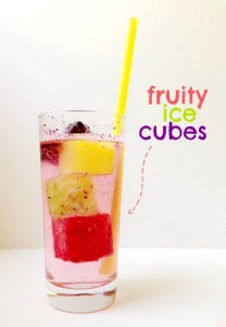 Looking for a fun kids' activity? These fruity ice cubes are so easy and yummy!