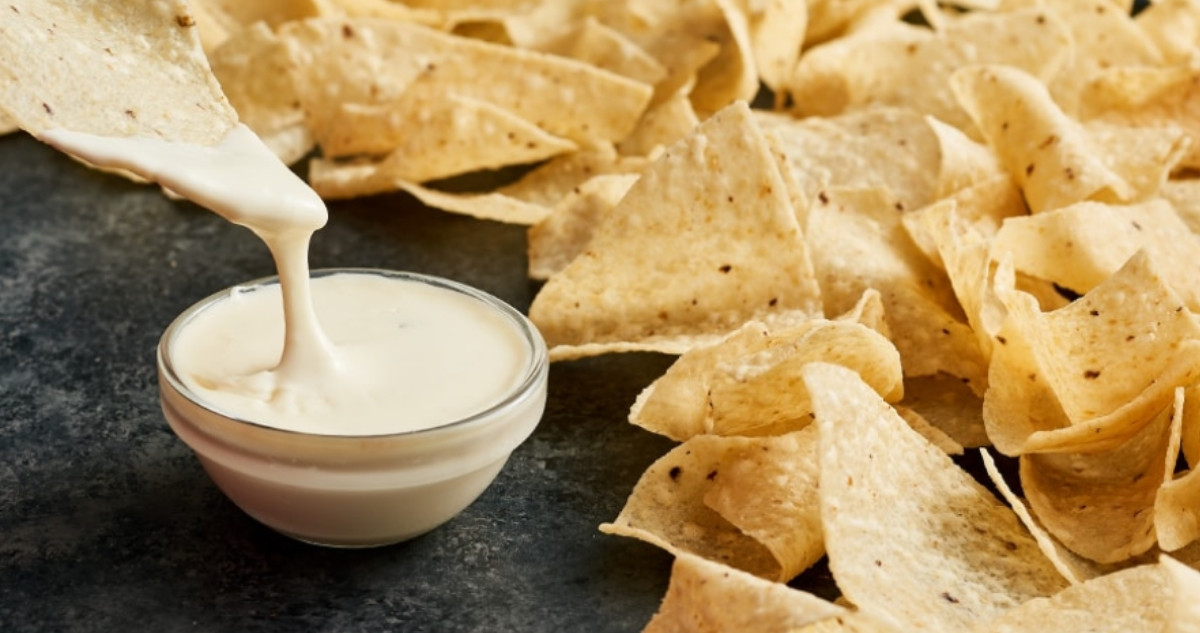 moe's free queso day