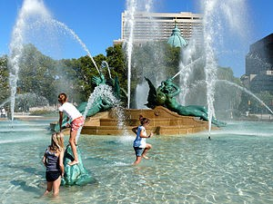 300px-Swann_Fountain-27527