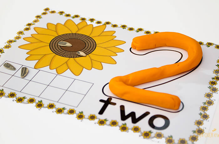 play-dough-mats-1-10-sunflower-
