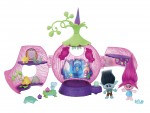 dreamworks-trolls-poppys-coronation-pod-playset