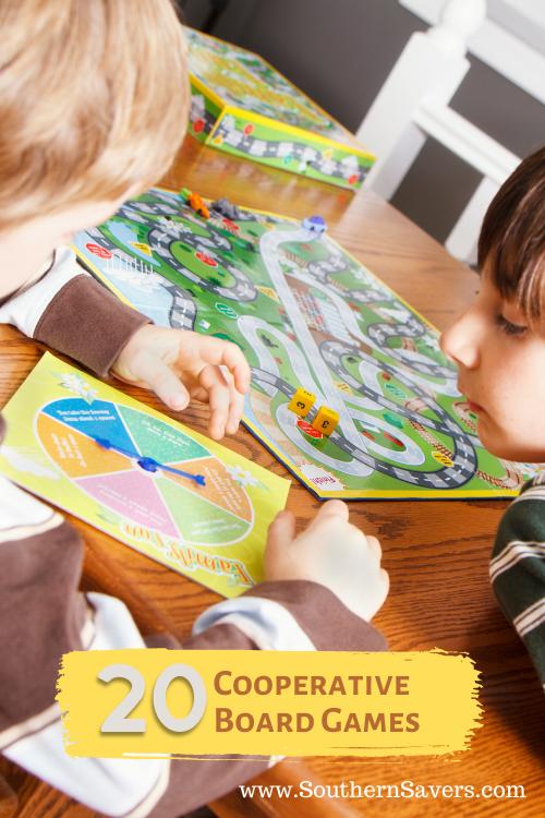Jadikan malam permainan keluarga kurang kompetitif tetapi lebih menyenangkan dengan memilih bermain permainan papan kooperatif — cocok untuk semua orang di keluarga Anda!