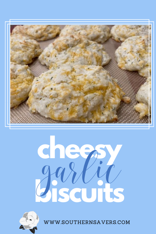 Raise your hand if you only go to Red Lobster for the cheddar biscuits!!  Yeah me too!  Check out this great copycat Cheddar Biscuit recipe to get the amazing taste at home.